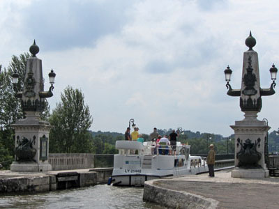 2012-07-28-Briare-69-0159-Briare-Pont-Canal-Start.jpg